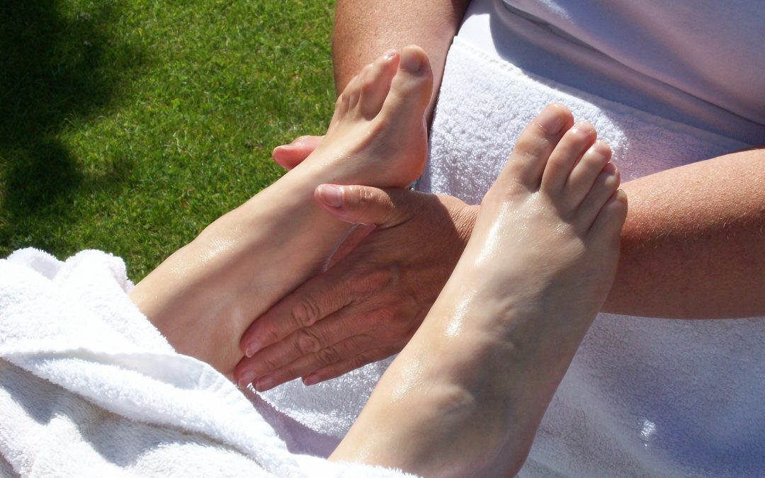 Cancer & Palliative Care – Helping people through Reflexology Course.